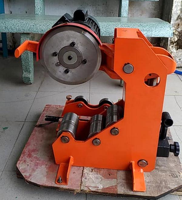 Máy cắt ống thép thủy lực EPC325
